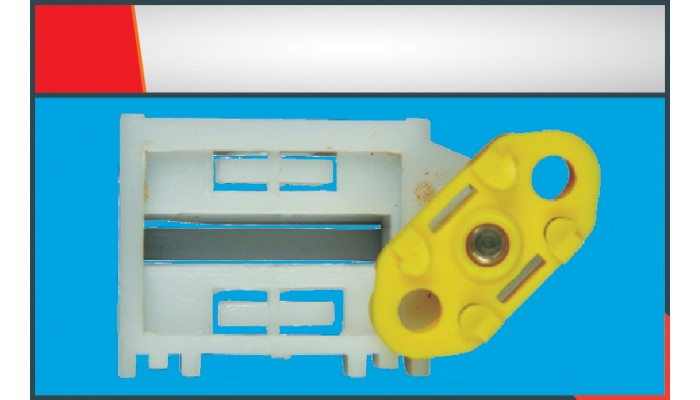 CORSA OLD MODEL WINDOW REGULATOR CLIP RIGHT/LEFT